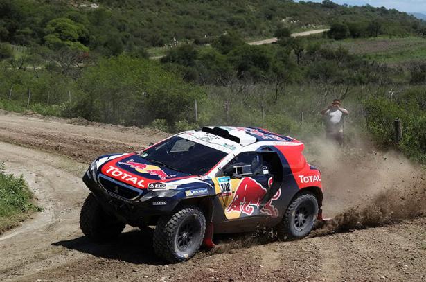 Stéphane-Peterhansel-Dakar-2015-Peugeot-2008-DKR-12