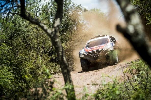 Stéphane-Peterhansel-Peugeot-2008-DKR-Dakar-2015-12