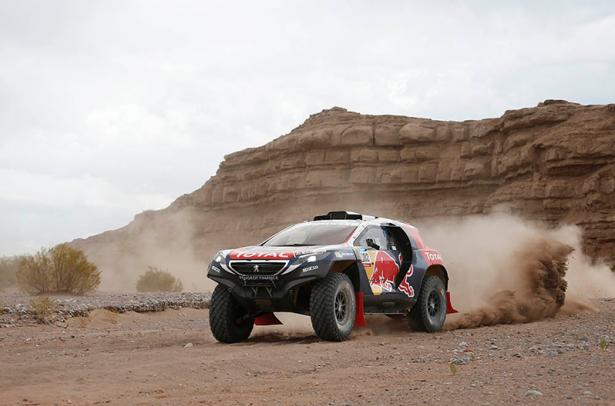 Stéphane-Peterhansel-Peugeot-2008-DKR-Dakar-2015