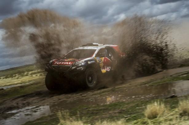 dakar-2015-Peugeot-2008-DKR-Peterhansel-8
