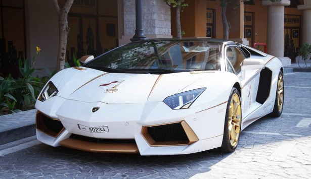 lamborghini-aventador-or-golden-edition-maatouk-design-london