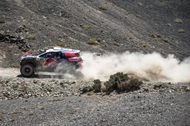 stephane-peterhansel-Dakar-2015-Peugeot-2008-DKR-4