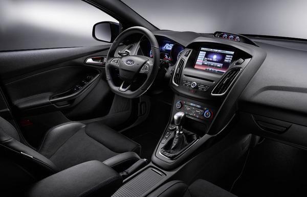 Ford-Focus-RS-2015-interior