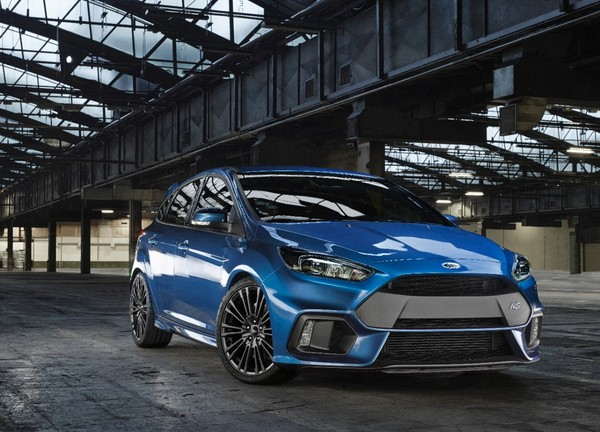 Ford-Focus-RS-2015