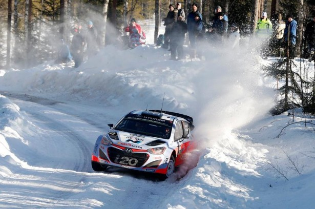 Hyundai-i20-Motorsport-wrc-swedish-rally-2015-Neuville