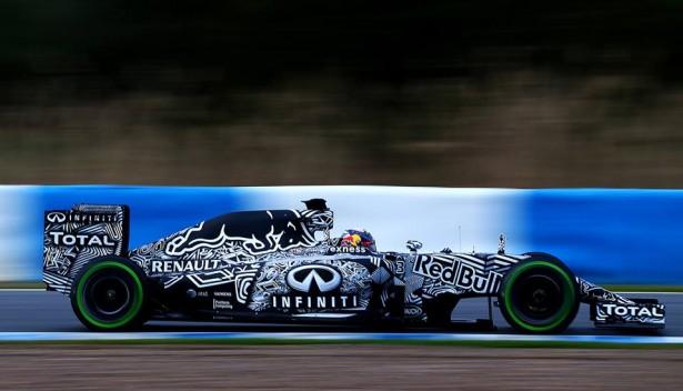 Infiniti-red-bull-racing-team-f1-jerez-2015-rb11