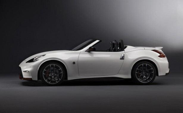 Nissan-370Z-Nismo-Roadster-chicago-2015-6
