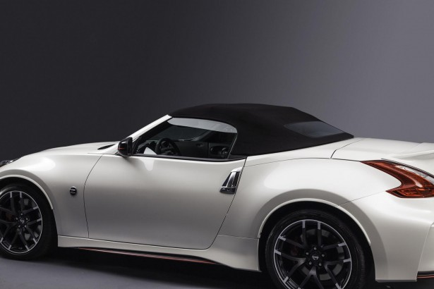 Nissan-370Z-Nismo-Roadster-chicago-2015-7