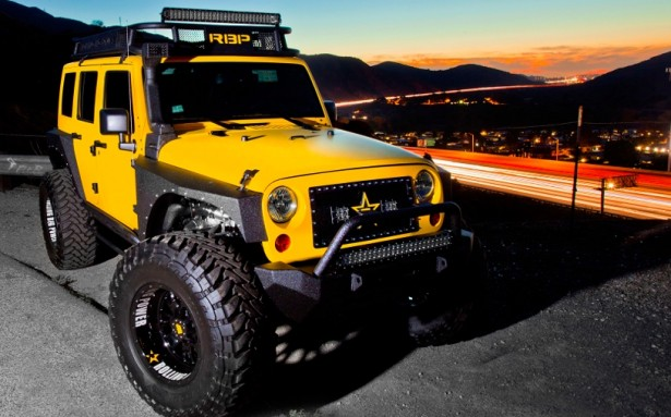 Rolling-Big-Power-Jeep-Wrangler-bigfoot-2015-4