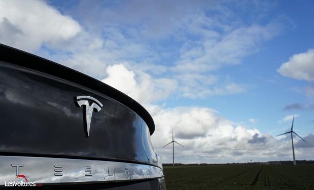 Tesla-S-4