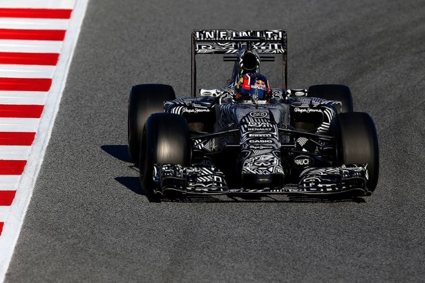 infiniti-red-bull-racing-Barcelone-Dany-Kvyat -2015