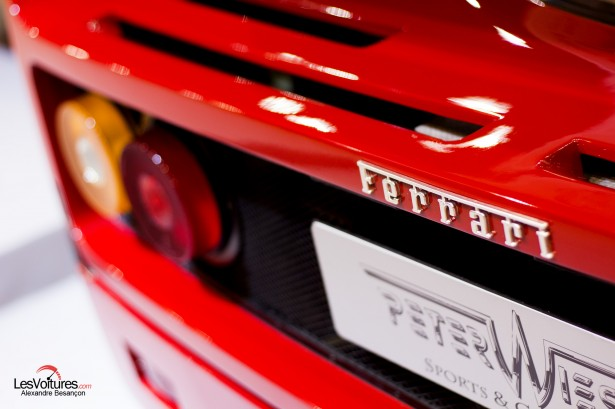 photos-salon-rétromobile-2015-Ferrari-F40