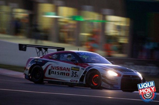 video-12-hours-of-Bathurst-2015-Nissan-Gt-R-GT3-Nismo-victory