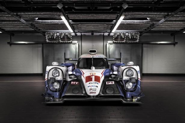 FIA-WEC-Toyota-TS040-HYBRID-2015-2