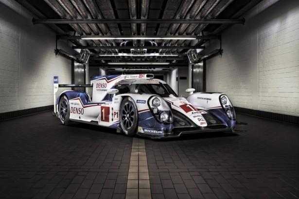 FIA-WEC-Toyota-TS040-HYBRID-2015-4