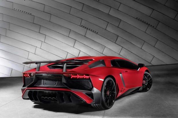 Lamborghini-aventador-lp-750-4-2015-2