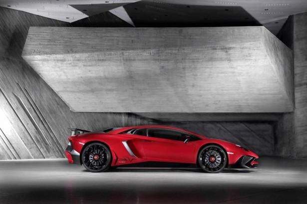 Lamborghini-aventador-lp-750-4-2015-3