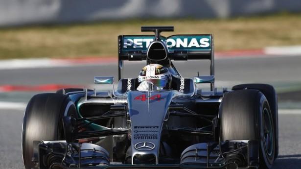 Lewis-Hamilton-mercedes-amg-petronas-f1-essais-barcelone-2015