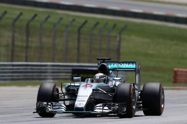 Lewis-Hamilton-mercedes-amg-petronas-gp-f1-malaisie-2015