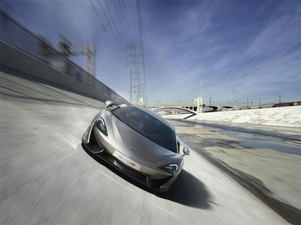 McLaren-570s-coupe-2015-15
