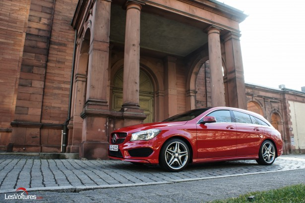 Mercedes-CLA-Shooting-Brake-250-4Matic-1