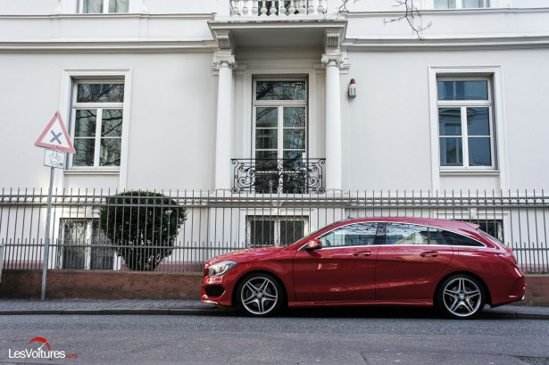 Mercedes-CLA-Shooting-Brake-250-4Matic-18