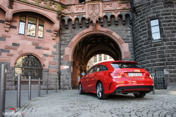 Mercedes-CLA-Shooting-Brake-250-4Matic-19