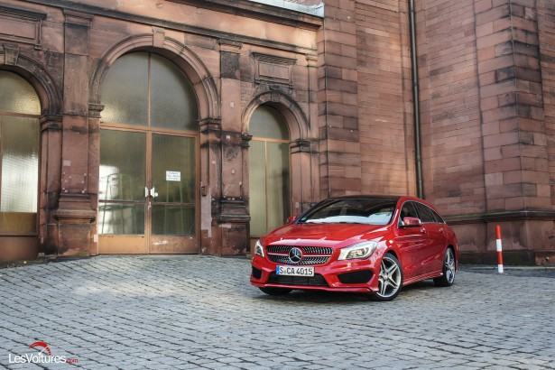 Mercedes-CLA-Shooting-Brake-250-4Matic-2