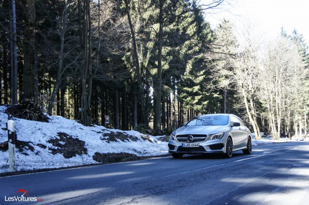 Mercedes-CLA-Shooting-Brake-45-AMG-1
