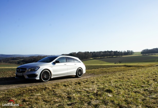 Mercedes-CLA-Shooting-Brake-45-AMG-11