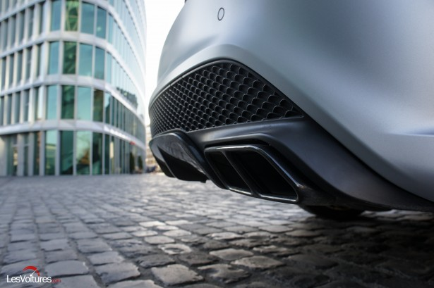 Mercedes-CLA-Shooting-Brake-45-AMG-14