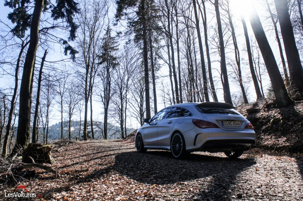 Mercedes-CLA-Shooting-Brake-45-AMG-2