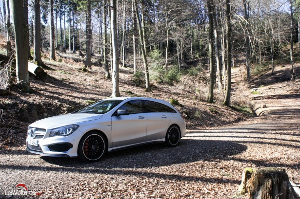 Mercedes-CLA-Shooting-Brake-45-AMG-3