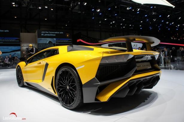 Salon-Genève-2015-14-Lamborghini-Aventador-LP-750-4-sv-Super-Veloce