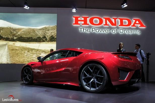 Honda nsx ii la commercialisation de la supercar hybride - Le salon de geneve 2015 ...