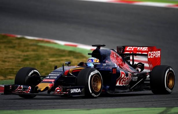Toro-Rosso-Carlos-Sainz-F1-essais-Barcelone-3