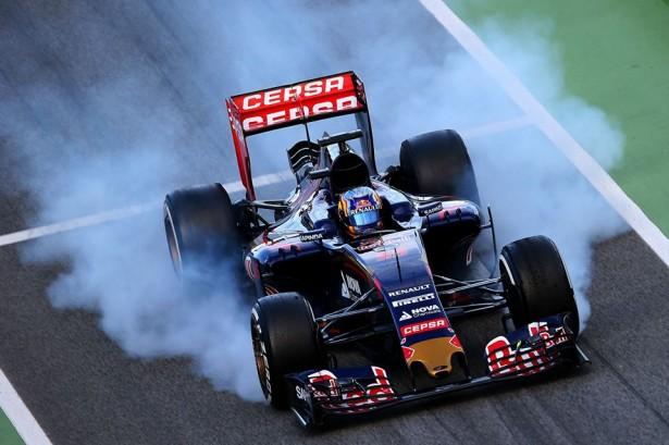 Toro-Rosso-Carlos-Sainz-F1-essais-Barcelone