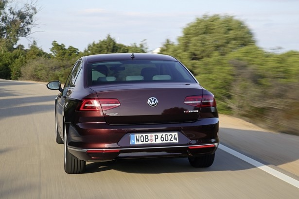 Volkswagen-Passat-car-of-the-year-2015-voiture-annee-2015-4