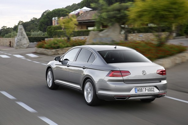 Volkswagen-Passat-car-of-the-year-2015-voiture-annee-2015-6-2
