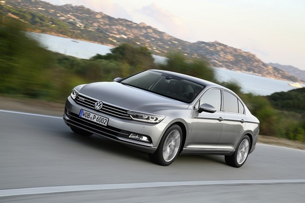 volkswagen passat c est la voiture de l ann e 2015 les voitures. Black Bedroom Furniture Sets. Home Design Ideas
