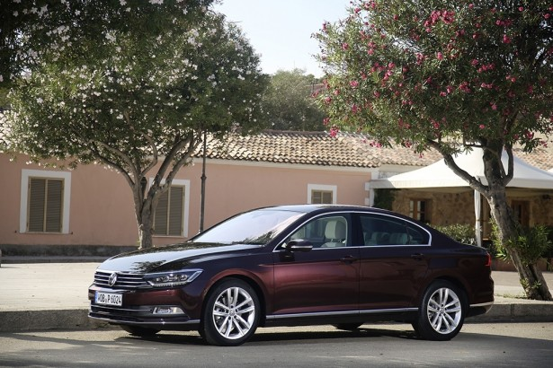Volkswagen-Passat-car-of-the-year-2015-voiture-annee-20156-3