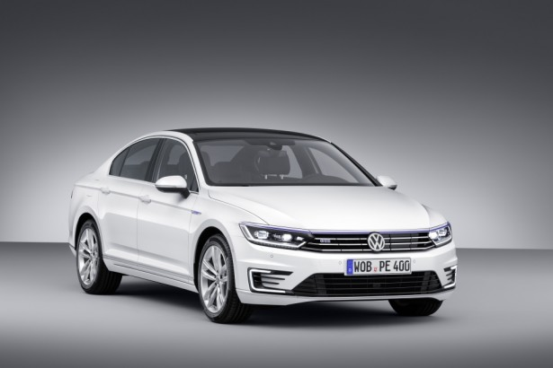 Volkswagen-Passat-gte-hybride-car-of-the-year-2015-voiture-annee-2015-4