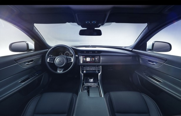 jaguar-xf-2015-berline-15