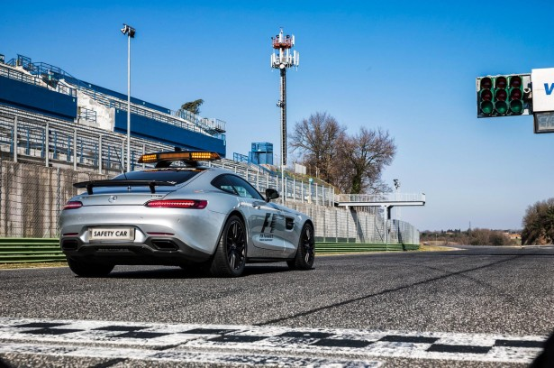 mercedes-amg-gt-s-safety-car-en-f1-2015-5