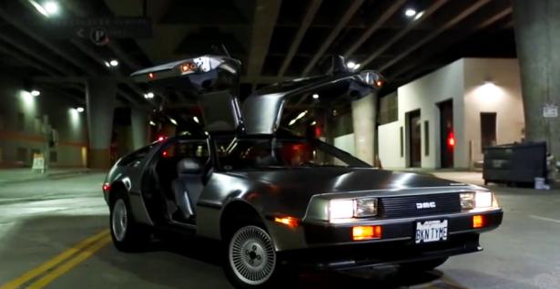 """Vidéo : ambiance """"Kavinsky"""" avec une DeLorean DMC-12 à Los Angeles…"""