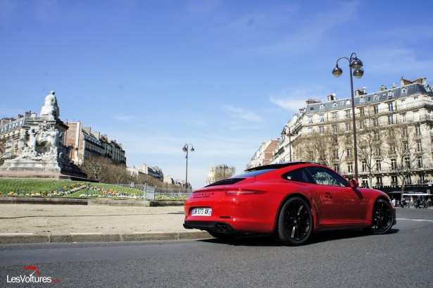 Porsche-911-Carrera4-GTS-3