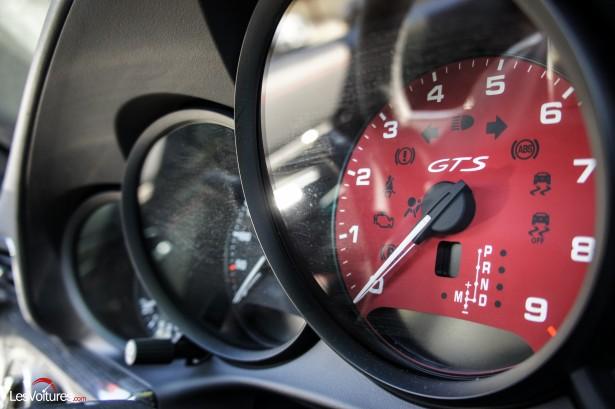 Porsche-911-Carrera4-GTS-6