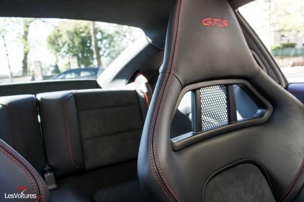 Porsche-911-Carrera4-GTS-8