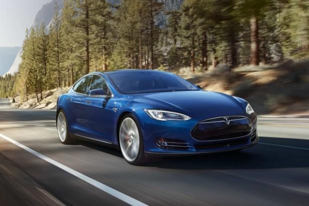 Tesla-Model-S-70D-2015-2
