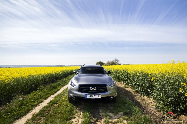Infiniti QX70S Design : rencontre du 3ème type automobile…